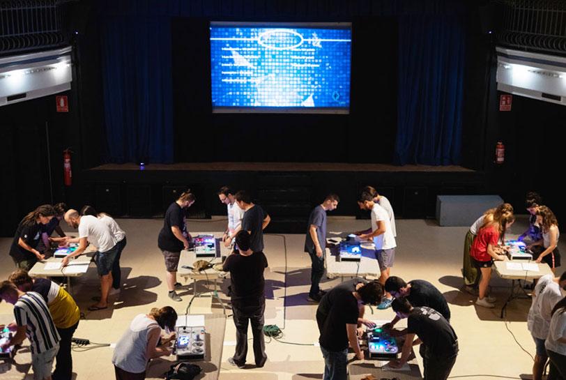 Organiza un team building para final de año - Synergyk